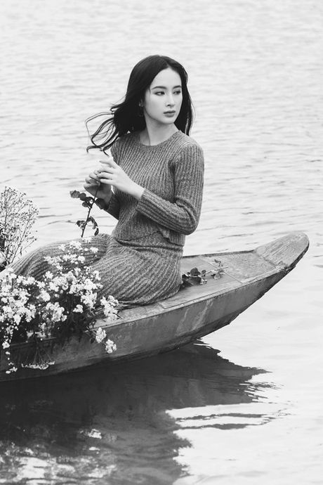 Angela Phuong Trinh e ap, diu dang ben 'soai ca' Vo Canh - Anh 11