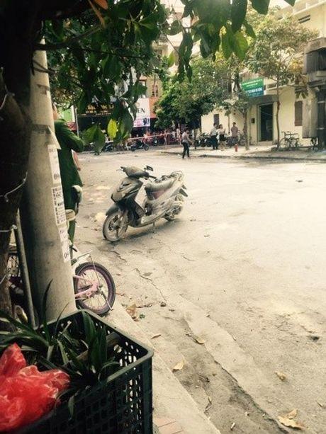 No tung bot dien o Trung Nhi, Ha Dong, hai vo chong bi ben lua bong nang - Anh 4
