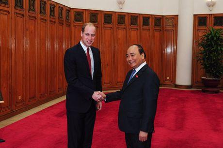 Sau Tong thong Obama, Hoang tu William 'gay bao' o Ha Noi - Anh 2