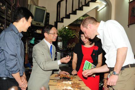 Sau Tong thong Obama, Hoang tu William 'gay bao' o Ha Noi - Anh 5