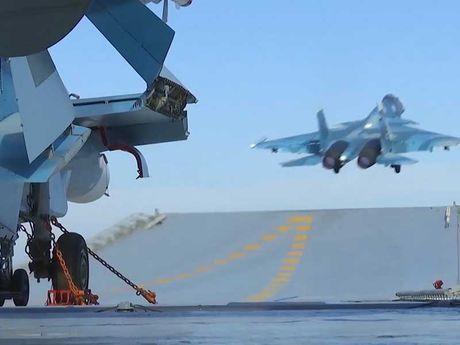 Sau khi Putin dien dam voi Trump, Nga doi bom Syria - Anh 1