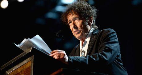 Bob Dylan khong tham du le trao giai Nobel - Anh 1