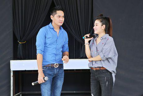 Minh Luan chuc mung sinh nhat Quy Binh trong buoi tong duyet - Anh 6