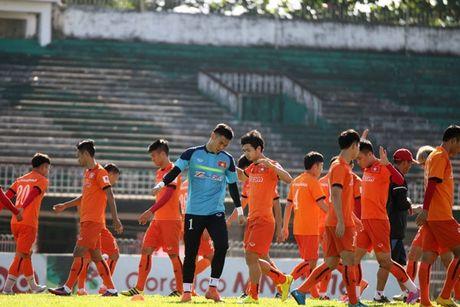 Tin nong bong da sang 17/11: DTVN co 'bien' - Anh 1