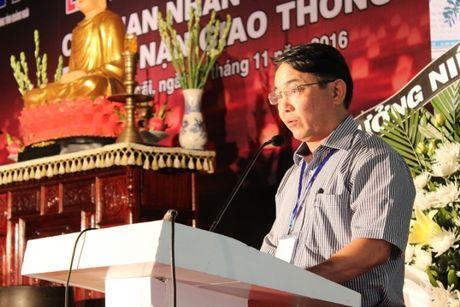 Hon 600 nguoi du le cau sieu nan nhan TNGT tai Quang Ngai - Anh 1