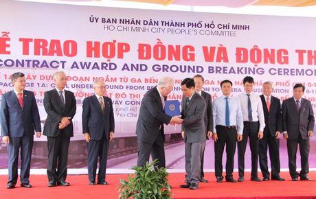 Trao hop dong va dong tho goi thau 1a tuyen duong sat Ben Thanh – Suoi Tien - Anh 1