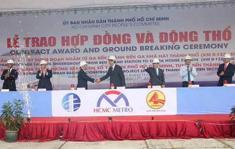 Trao hop dong va dong tho goi thau 1a tuyen duong sat Ben Thanh – Suoi Tien - Anh 2