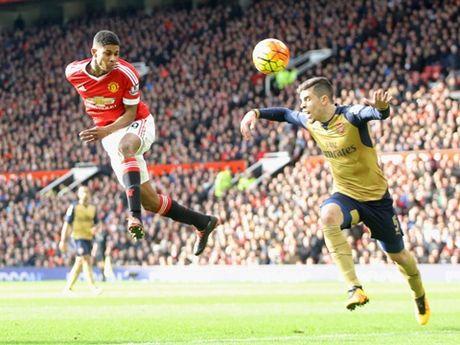 CAP NHAT toi 17/11: Wenger chi ro cau thu Man United dang ngai nhat. Arsenal gap tai hoa kho luong - Anh 1
