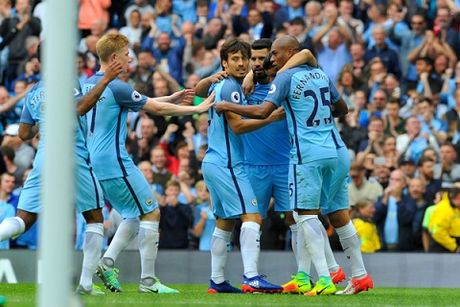 Man City gap kho, Man United de tho trong dip Giang sinh - Anh 3
