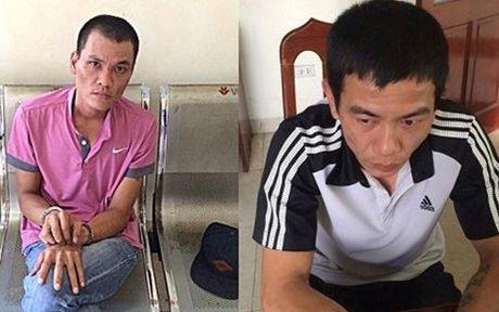 CSGT Ha Noi lien tiep bat duoc 'quai xe' mang theo ma tuy da - Anh 1