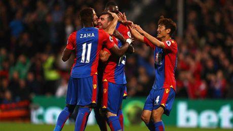 Vuot mat Man City, MU la CLB tra luong 'khung' nhat Premier League - Anh 10