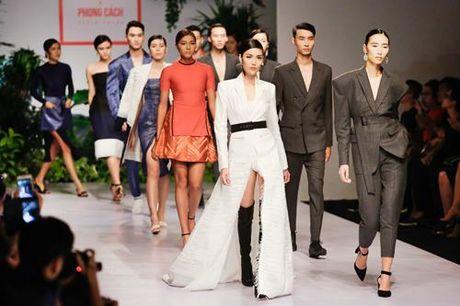 Lan Khue, Trang Khieu, Nam Em 'thoi tung' san catwalk - Anh 10