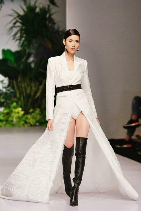 Lan Khue, Trang Khieu, Nam Em 'thoi tung' san catwalk - Anh 3