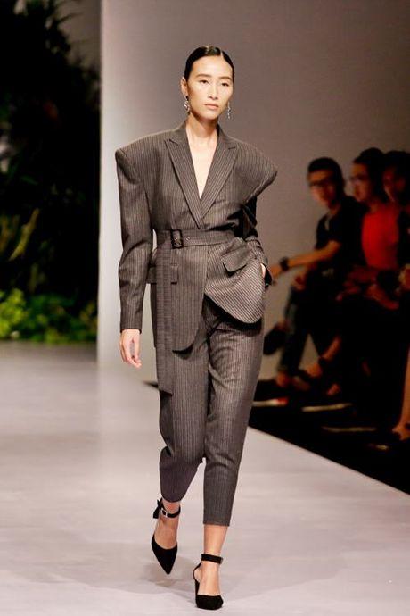 Lan Khue, Trang Khieu, Nam Em 'thoi tung' san catwalk - Anh 5