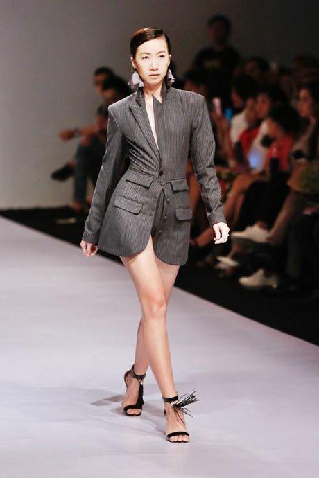 Lan Khue, Trang Khieu, Nam Em 'thoi tung' san catwalk - Anh 6
