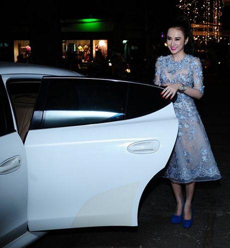 Nhung lan muon sieu xe gay on ao cua Ha Ho, Thuy Tien - Anh 3
