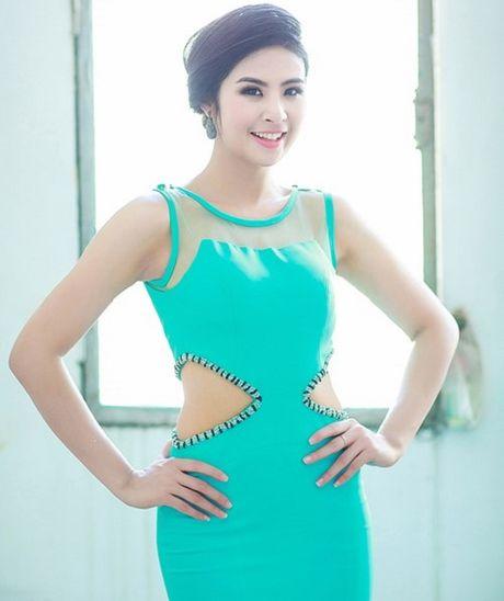 Nhung lan mac sexy, ca tinh hiem hoi cua HH Ngoc Han - Anh 5