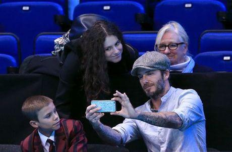 Beckham 'tron vo' dat quy tu di xem quan vot - Anh 6