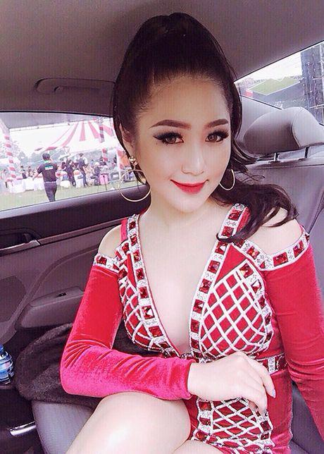 Huong Tram 'lot xac' nhan sac dang kinh ngac - Anh 12