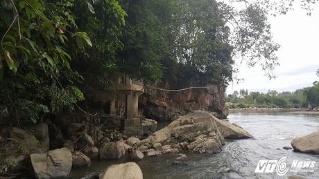 Bi an ran khong lo o Quang Ninh: Ba lao trong ngoi mieu tho Ran - Anh 1