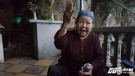 Bi an ran khong lo o Quang Ninh: Ba lao trong ngoi mieu tho Ran - Anh 2