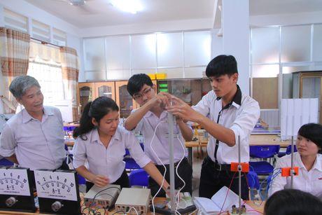 Truong Dai hoc Dong Nai: 40 nam hinh thanh va phat trien - Anh 2