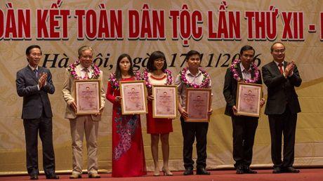 Trao giai Bao chi 'Vi su nghiep Dai doan ket toan dan toc' lan thu XII - Anh 1