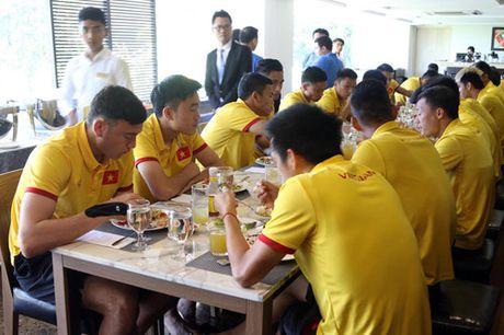 AFF Cup 2016: Bua trua vui ve cua tuyen Viet Nam - Anh 2