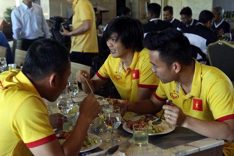 AFF Cup 2016: Bua trua vui ve cua tuyen Viet Nam - Anh 4