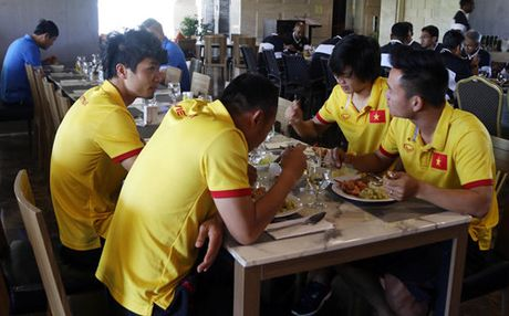 AFF Cup 2016: Bua trua vui ve cua tuyen Viet Nam - Anh 5