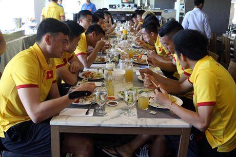 AFF Cup 2016: Bua trua vui ve cua tuyen Viet Nam - Anh 6