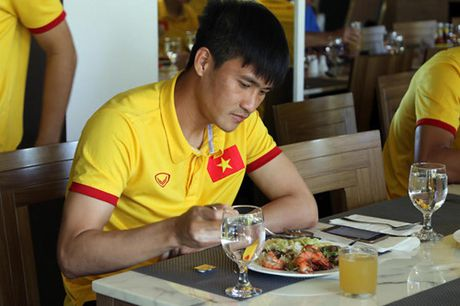 AFF Cup 2016: Bua trua vui ve cua tuyen Viet Nam - Anh 8