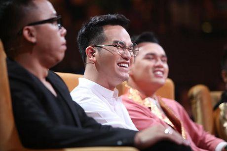 """Lien khuc """"3 con buom"""" cua doi Khac Hung gay sot tai """"Khoi dau uoc mo"""" - Anh 2"""