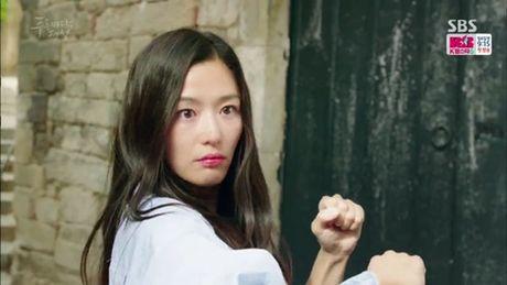 Huyen thoai bien xanh tap 2: Jun Ji Hyun lan dau cat tieng noi - Anh 3