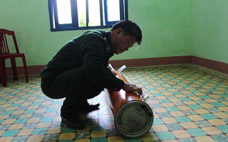 Ngu dan Quang Ngai vot duoc vat the la troi dat tren bien - Anh 1