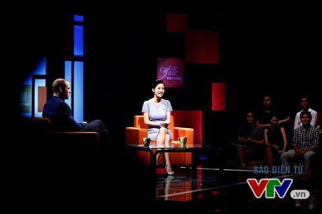 Hoang tu William va nhung hinh anh tai truong quay Talk Vietnam - Anh 6