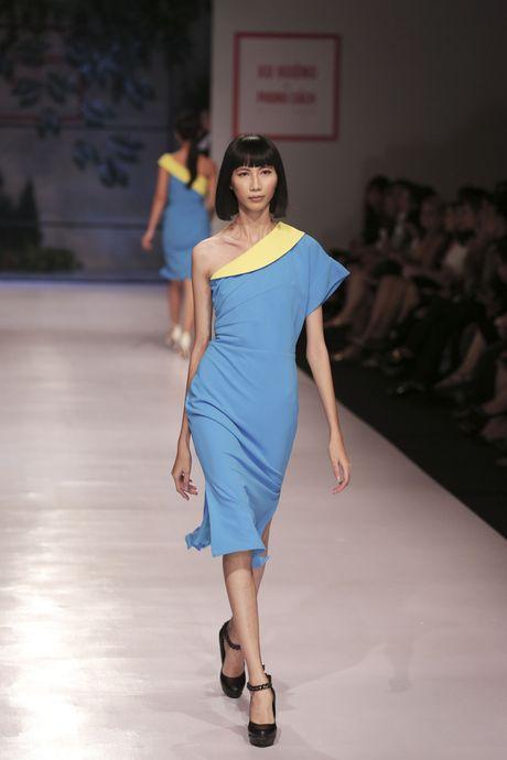 Dan nguoi mau Vietnam's Next Top Model noi bat tren san catwalk ngay hoi ngo - Anh 7