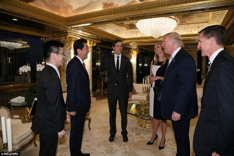 Ong Trump de vo chong con gai du hop voi thu tuong Nhat Ban - Anh 4