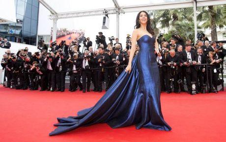 My nhan Mallika Sherawat bi tan cong o Paris - Anh 3