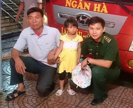 Be gai vung cao va dieu ky dieu o Don bien phong Vang Ma Chai - Anh 1