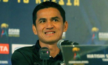 Kiatisak, DT Thai Lan bi chu nha Philippines 'lam kho' truoc AFF Cup - Anh 1