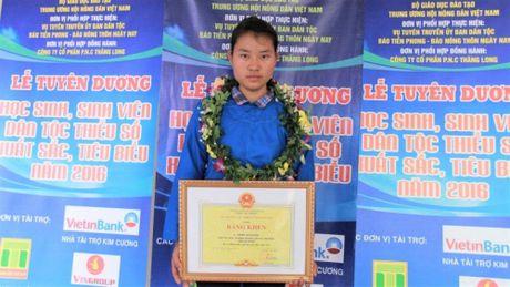 Bo Giao duc dong y cho bao luu ket qua cua thi sinh Ha Giang - Anh 1