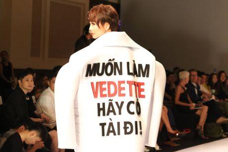 Sieu mau Thanh Hang tu nhan dep trai, tu tin lam vedette - Anh 4