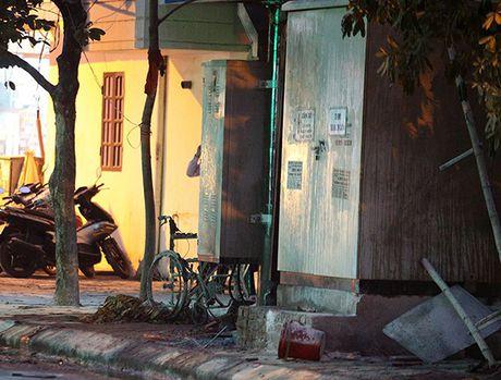 Nguyen nhan no tram dien o Ha Dong: May bien ap tran dau khi chay thu - Anh 2