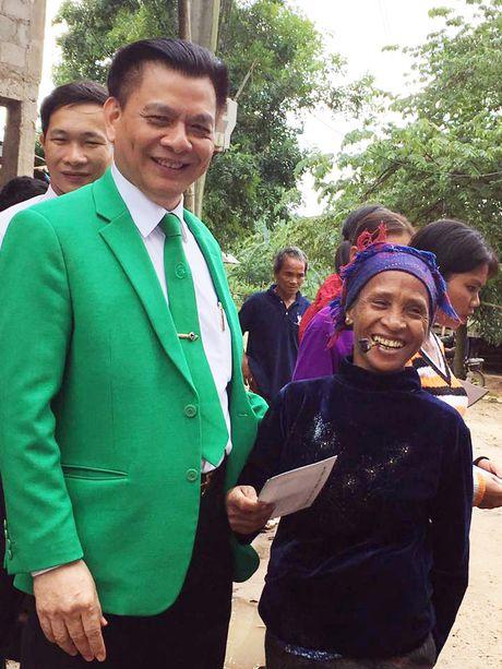 Chu tich tap doan Mai Linh - Doanh nhan Ho Huy: Van luon nang mot chu Tinh - Anh 3