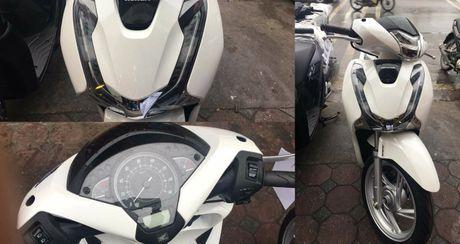 Honda SH 2017 'doi gia' hon 10 trieu dong: Co nen mua? - Anh 1
