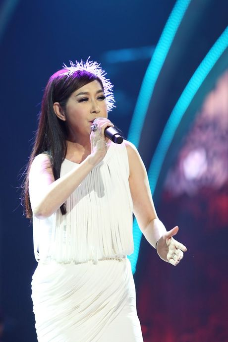 Y Lan hat 'Co don' tuong nho nhac si Nguyen Anh 9 - Anh 2
