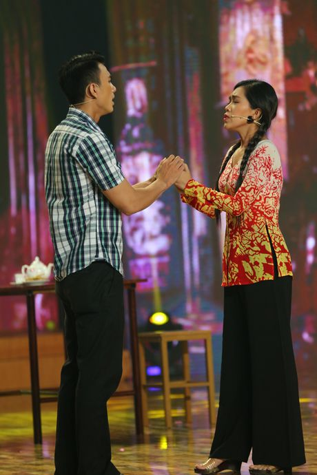 Gia Bao dien lai vai cua Hoai Linh de anh cham diem - Anh 3
