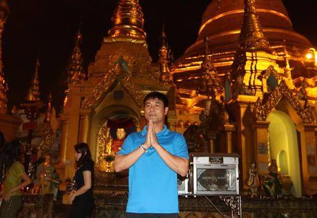 Tuyen Viet Nam di chua Vang truoc cuoc 'san vang' AFF Cup - Anh 2