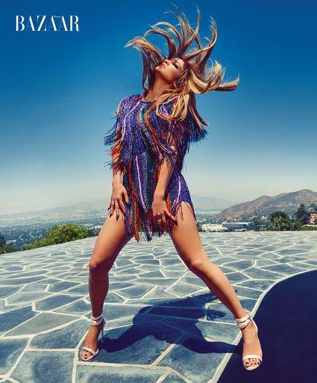Jennifer Lopez 47 tuoi van tre dep ruc lua - Anh 3
